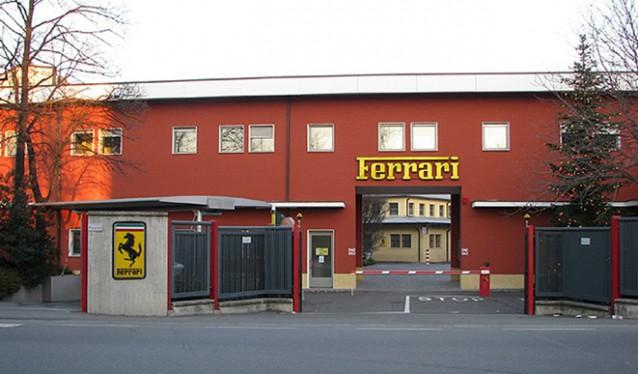 Ferrari suspende la producción en sus fábricas...