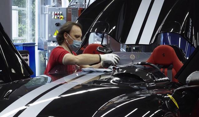 Ferrari ya trabaja en sus fábricas de Maranello y Modena