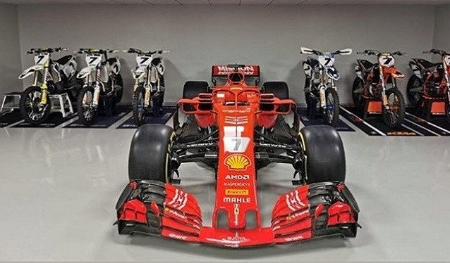 Kimi Raikkonen recibe de Ferrari, el SF71H con el que ganó su última carrera