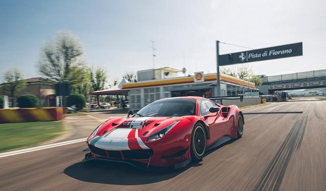 Ferrari entrega el primer 488 GT Modificata