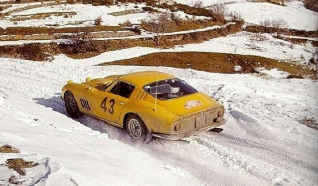 Un Ferrari en el Rallye de Montecarlo?